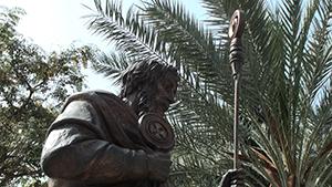 Staute von Petrus in Kapernaum beim See Generzareth