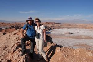 Lydia Ninz mit Joel im Mondtal Chile. Foto Helmut Kasper
