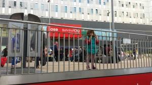 Flüchtlinge in Wien Westbahnhof gestrandet