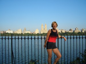 Lydia Ninz in New York joggend